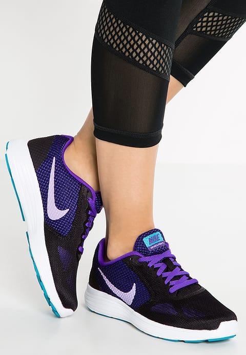 Nike Performance Revolution